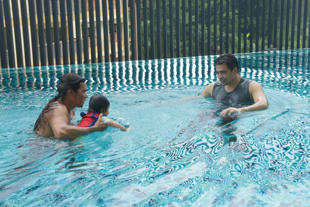 Real Swimming Lesson Here!! (3/6)
