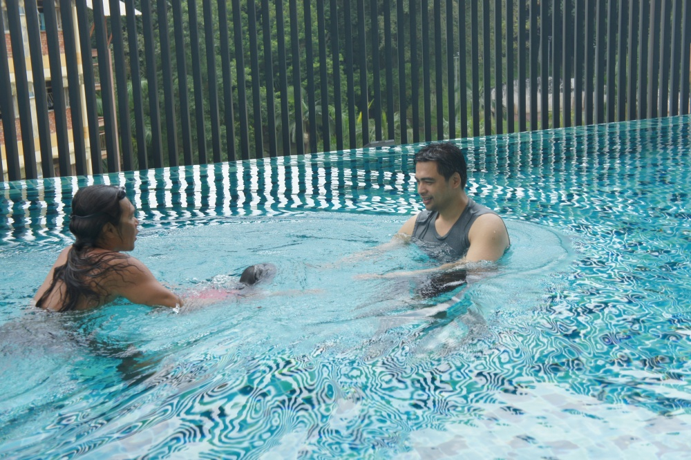 Real Swimming Lesson Here!! (4/6)