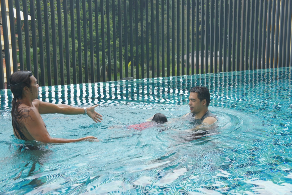 Real Swimming Lesson Here!! (5/6)